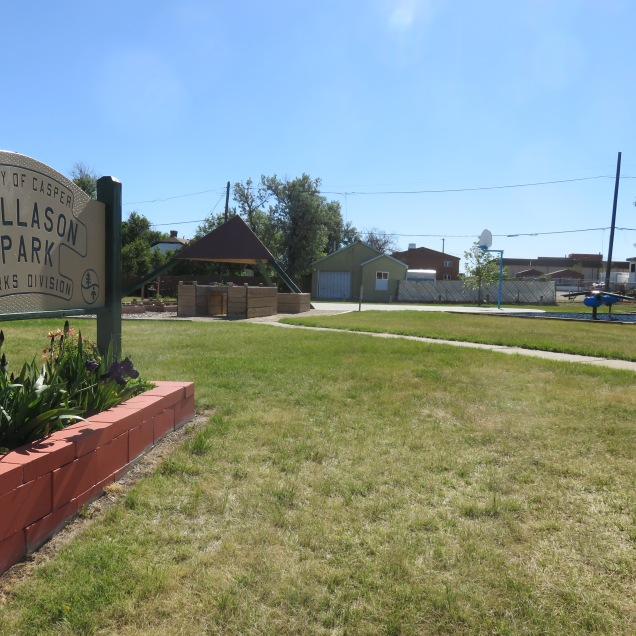 Panoramic of Dallason sign, garden, and picnic area June 2020